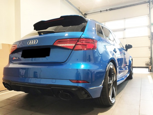 Audi RS3 Dealership